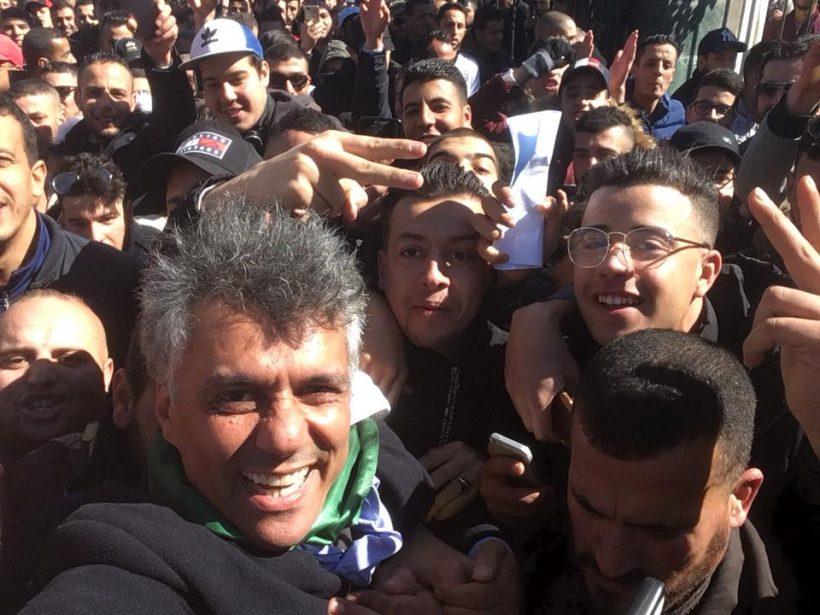 La télévision d'État évoque enfin les manifestations, tout en les censurant — Algérie