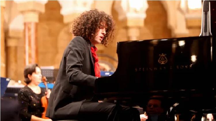 Le pianiste Simon Ghraichy