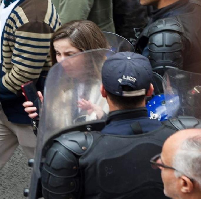 La journaliste Amel Mohandi agressée par un policier