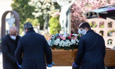 coronavirus italie enterrement