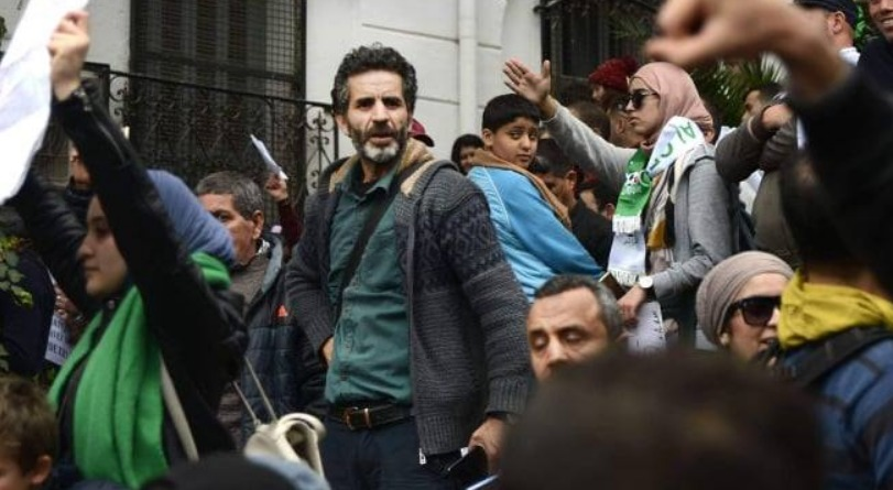 El Watan suspend le journaliste Mohand Aziri pour une publication sur Facebook