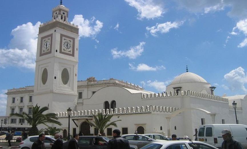 Belmehdi : la décision de rouvrir les mosquées est ressort du Gouvernement
