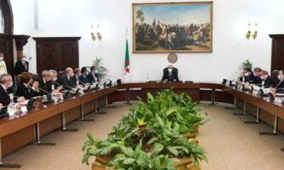 Révision de la Constitution : Communiqué du Conseil des ministres