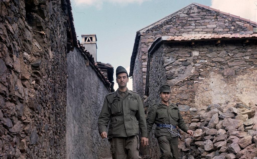 Le 29 septembre 1963 : naissance du Front des forces socialistes (FFS)
