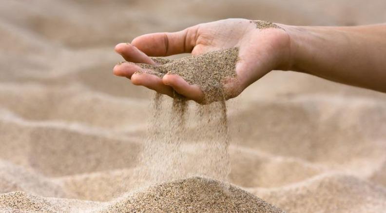Amende de 1000 euros pour un Français ayant emporté en souvenir un peu de sable de Sardaigne