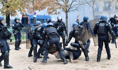« Tabassages » et manque de moyens : un journaliste raconte deux ans d'infiltration dans la police française