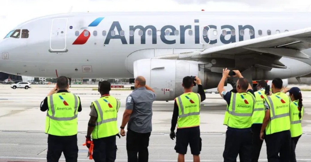 La compagnie American Airlines : on va licencier 19 000 salariés si...