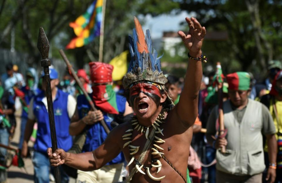 Manifestations des communautés indigènes en Colombie, au Chili et en Bolivie