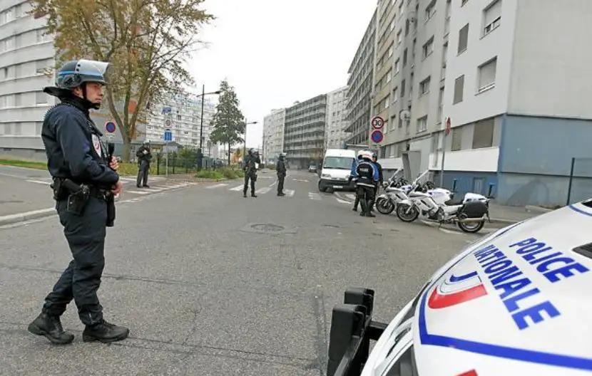 Mouvance islamiste en France : des opérations de police en cours contre « des dizaines » d'individus